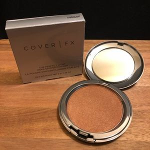 Cover FX Highlighting Powder in CANDLELIGHT!
